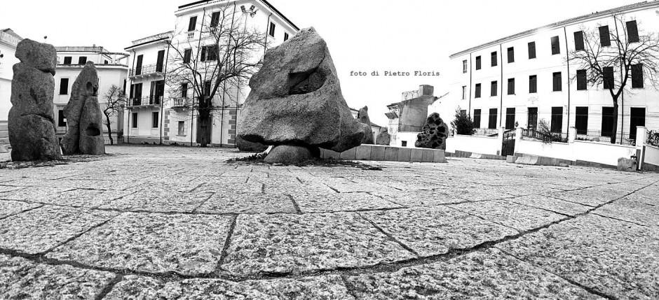 nuoro-piazza-sebastiano-satta
